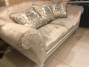 распродажа диванов из италии в москве продажа выставочных образцов